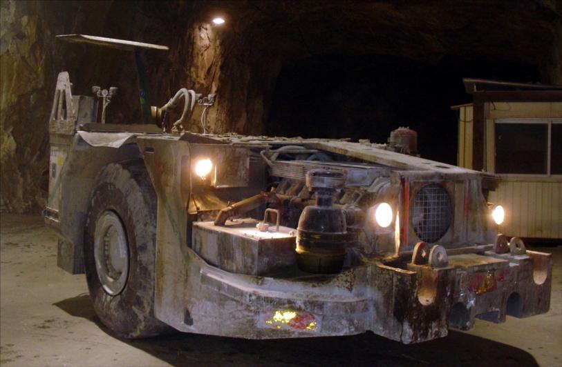 Chargeur Pneus Tunnelier TITAN CTX 10 Tunnel Carrière