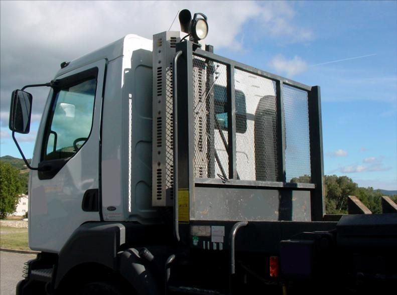 Camion Kerax 340 Multi Chaine 19t + 4 Caissons