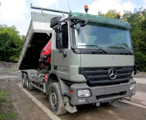 Camion Mercedes 3341 Actros 6X6 Plateau Grue FASSI