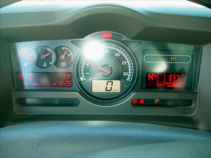 Camion RVI Renault Lander 6x2 370 DCI Plateau Grue 28t