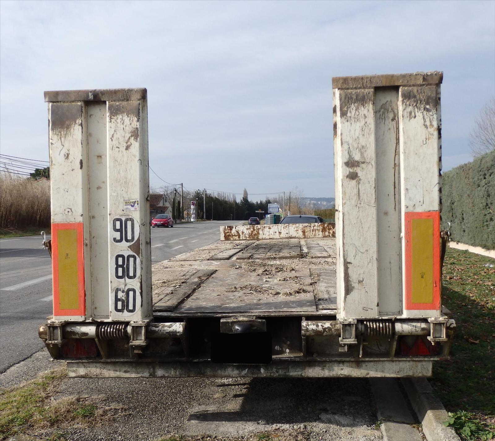 Remorque Porte Char 3 Essieux Lame Fixe Porte Engin Plateau Basculant