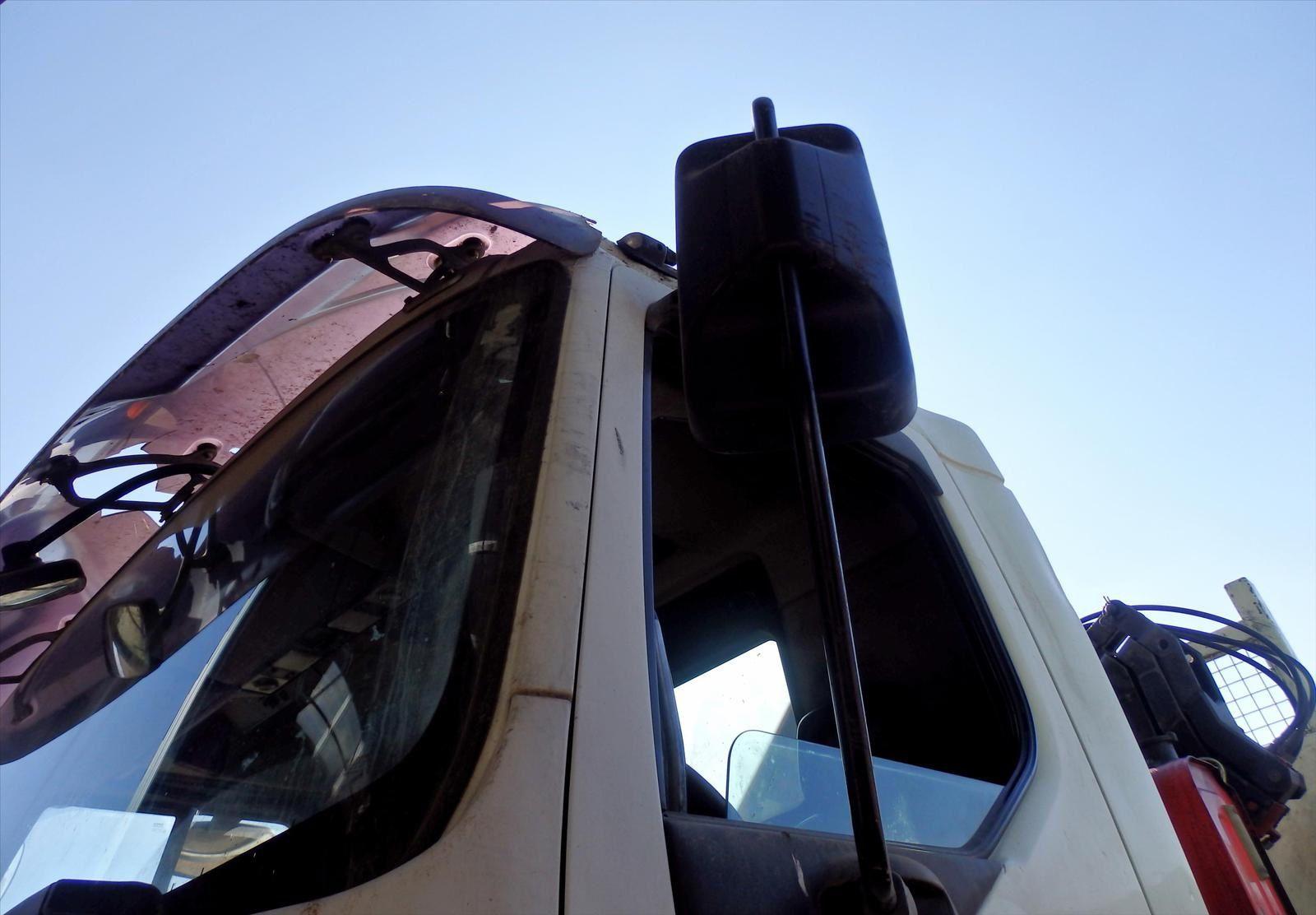Camion 8x4 Kerax 400 Tribenne Hydraulique Grue