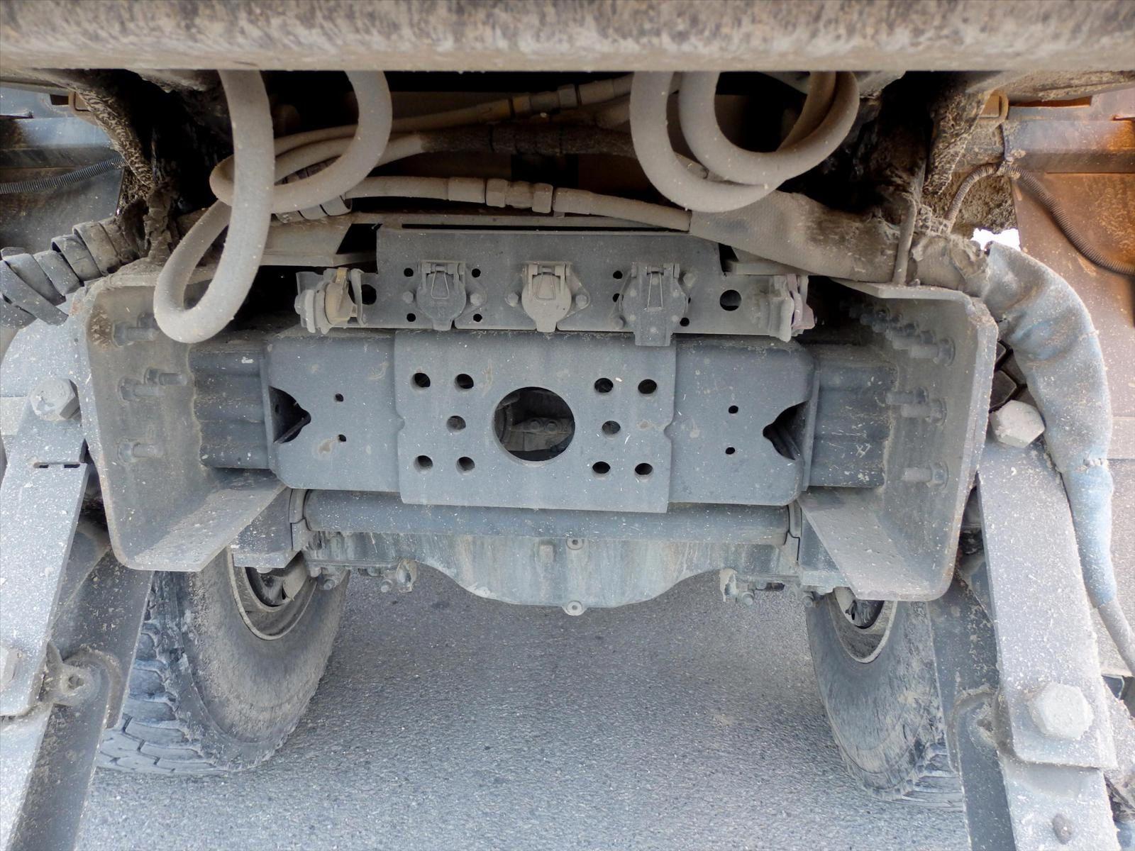 Camion VOLVO 440 8x4 Benne Enrochement  Rocline Forez Benne Tel: 0608066192 Pierre BASSAT TRANSCOMM13