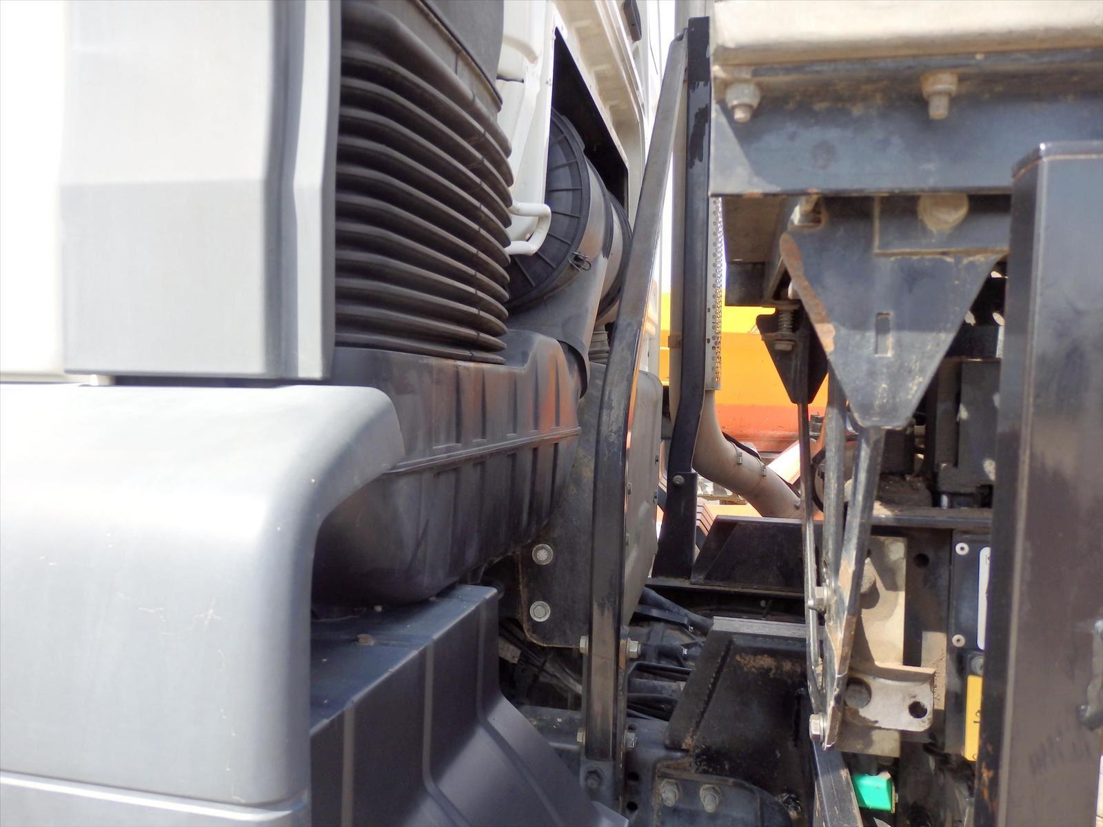 Camion MAN TGA 18.310 BiBenne Grue 19t - 44t ; Pierre BASSAT TRANSCOMM13 Tel: 0608066192