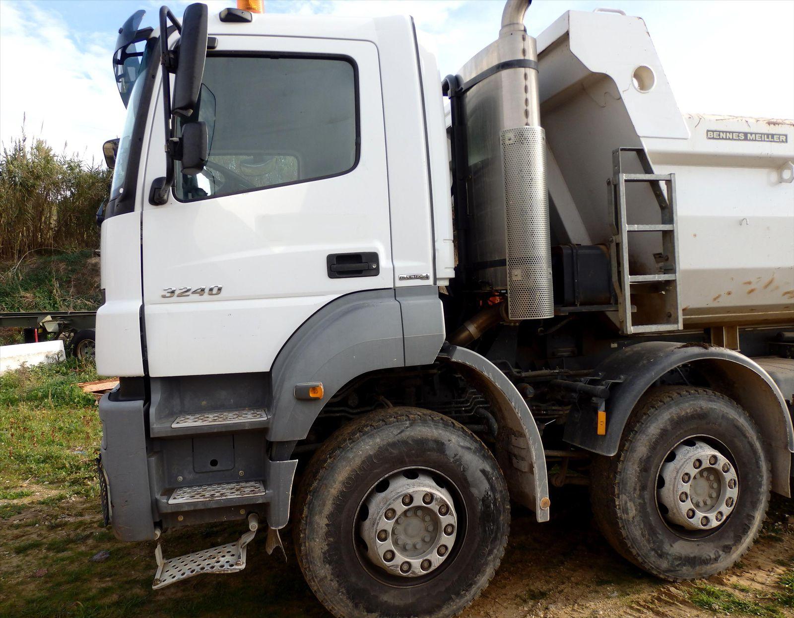Camion MERCEDES AXOR 3240 8x4  400chv Benne 2008 Tel: 0608066192 Pierre BASSAT TRANSCOMM13