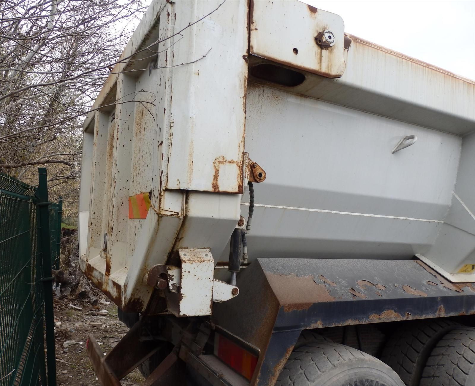 Camion IVECO TRAKKER 450 E5 8x4 Benne Enrochement Tel: 0608066192