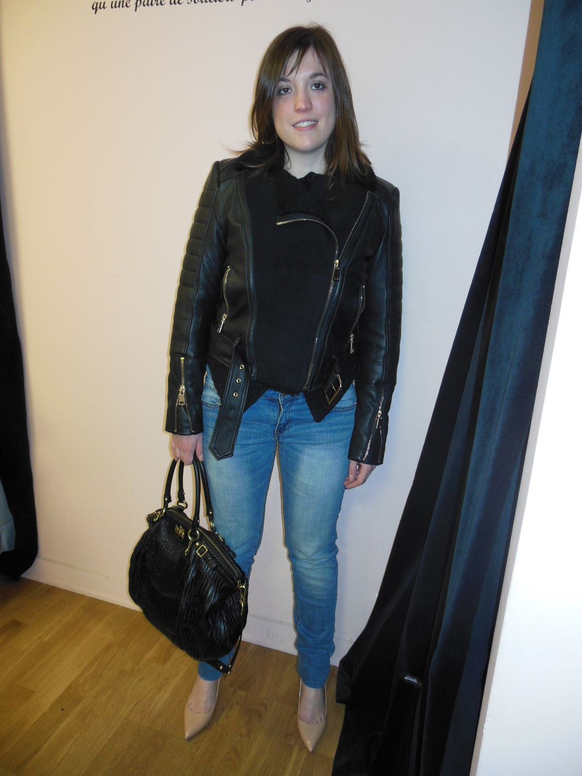 Blouson – Brooklyn Bridge Factory /// Veste et Top – Zara /// Jean – Mango /// Escarpin – Yves Saint Laurent /// Sac – Coach