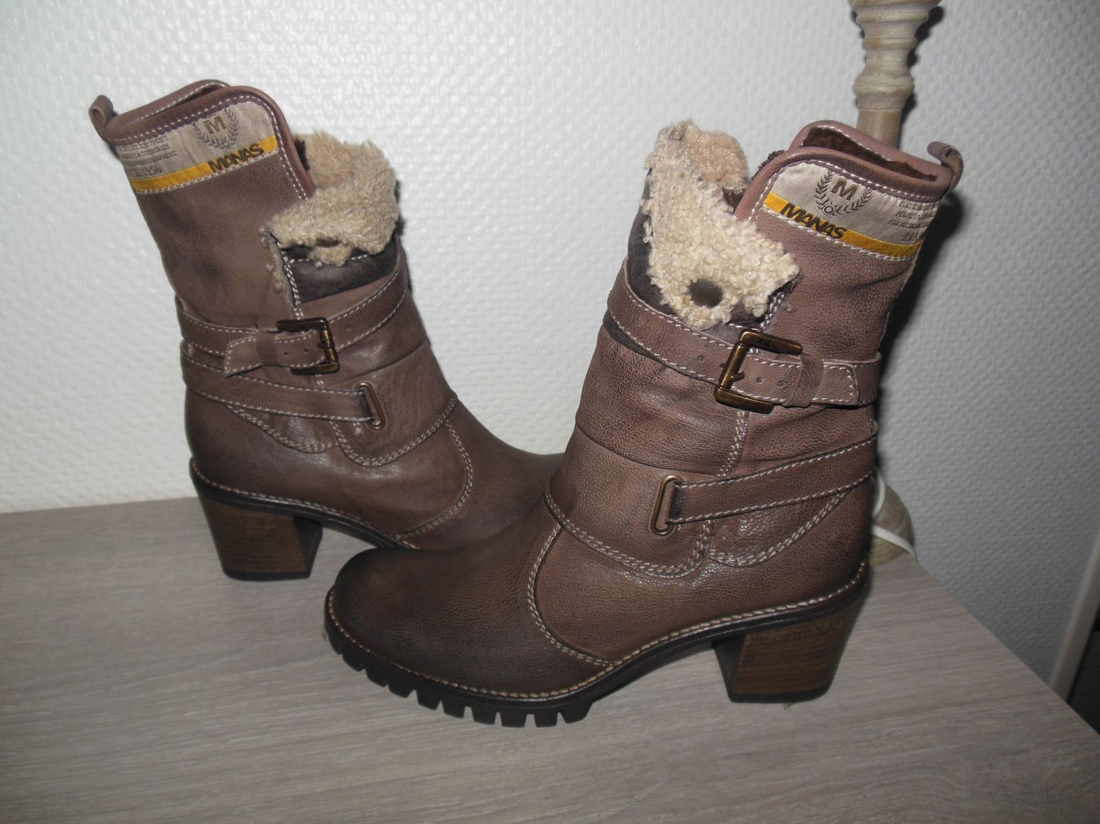 Bottines en cuir et mouton - Manas (nouvelle collection)