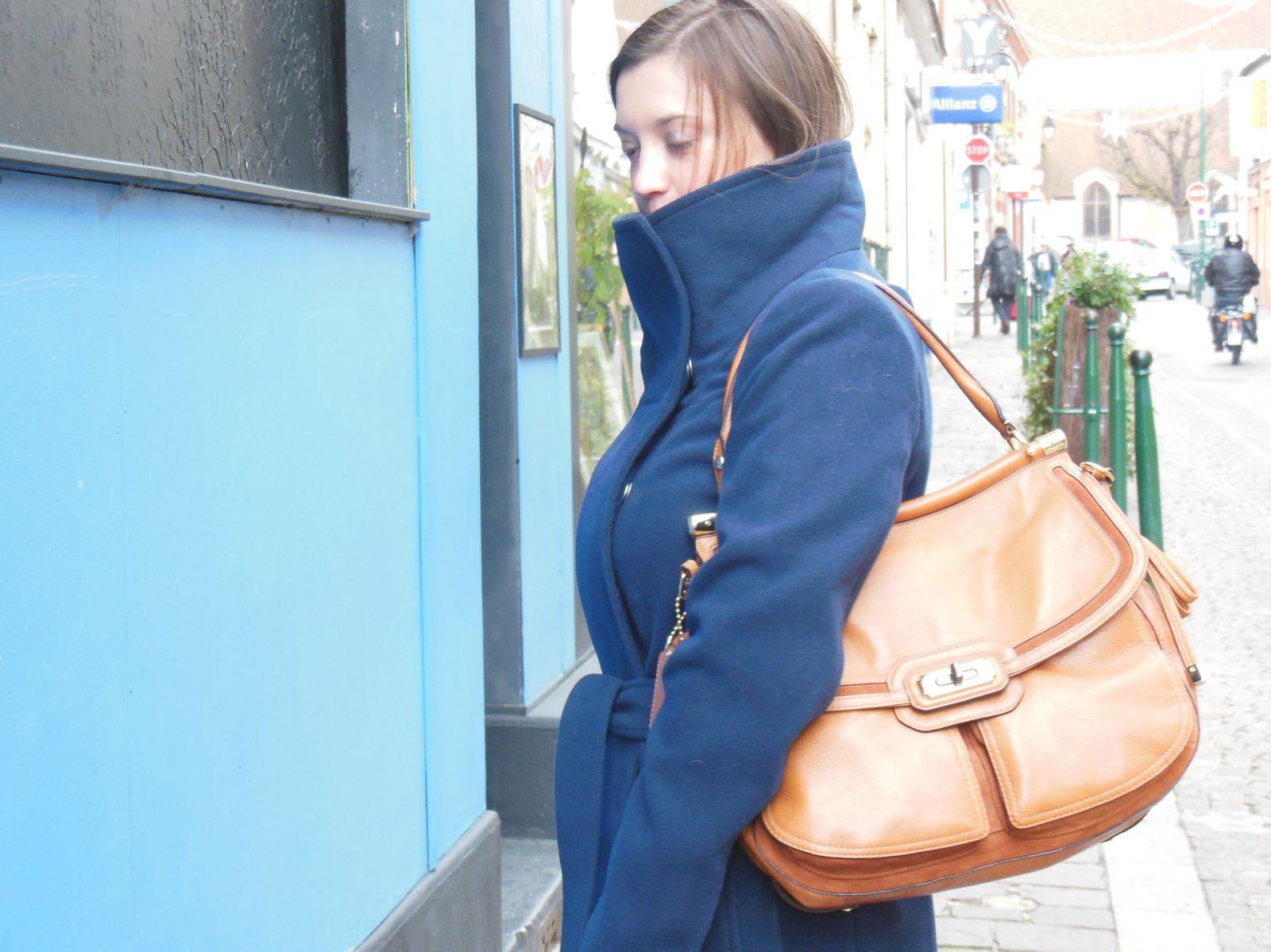 Manteau - Esprit // Col roulé en cachemire - Des Petits Hauts // Jeans - H&M // Bottines - Zara // Chelsea Bag - Coach