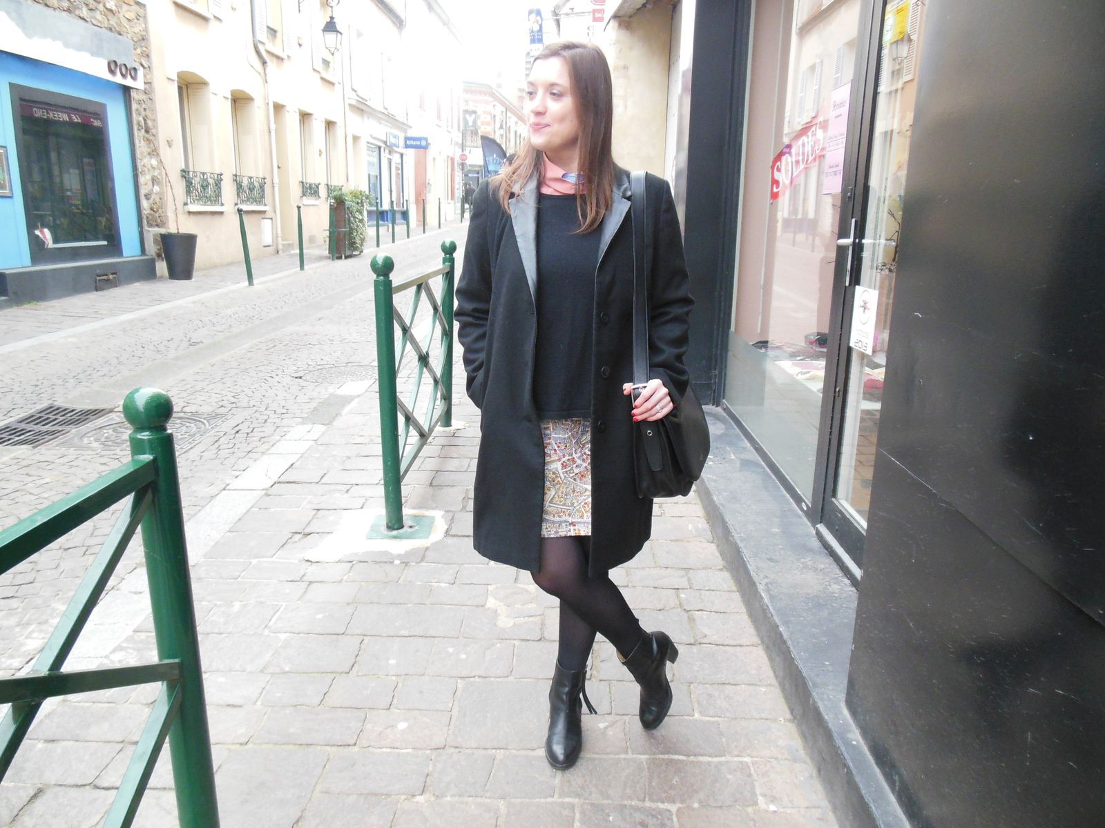 Manteau - Best Mountain // Col - Carven // Pull - H&M // Jupe - Carven // Collant - Dim // Pistols Boots - Acne // Legacy Patricias bag - Coach