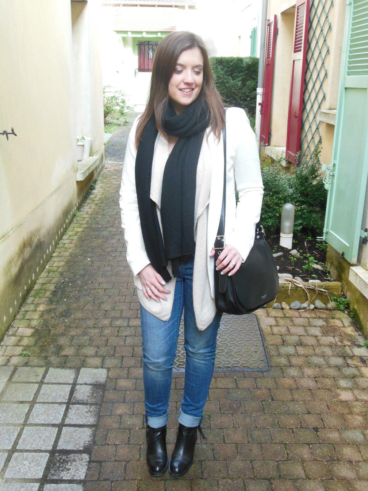 Veste - COTR x Pimkie // Gilet - Des Petits Hauts // Body - Undiz // Jeans - Zara // Echarpe - COS // Pistols Boots - Acne // Sac - Coach