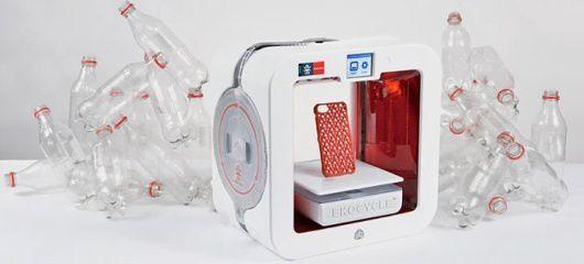 Ekocycle Cube 3D, la stampante che trae l'inchiostro dalle bottiglie di plastica