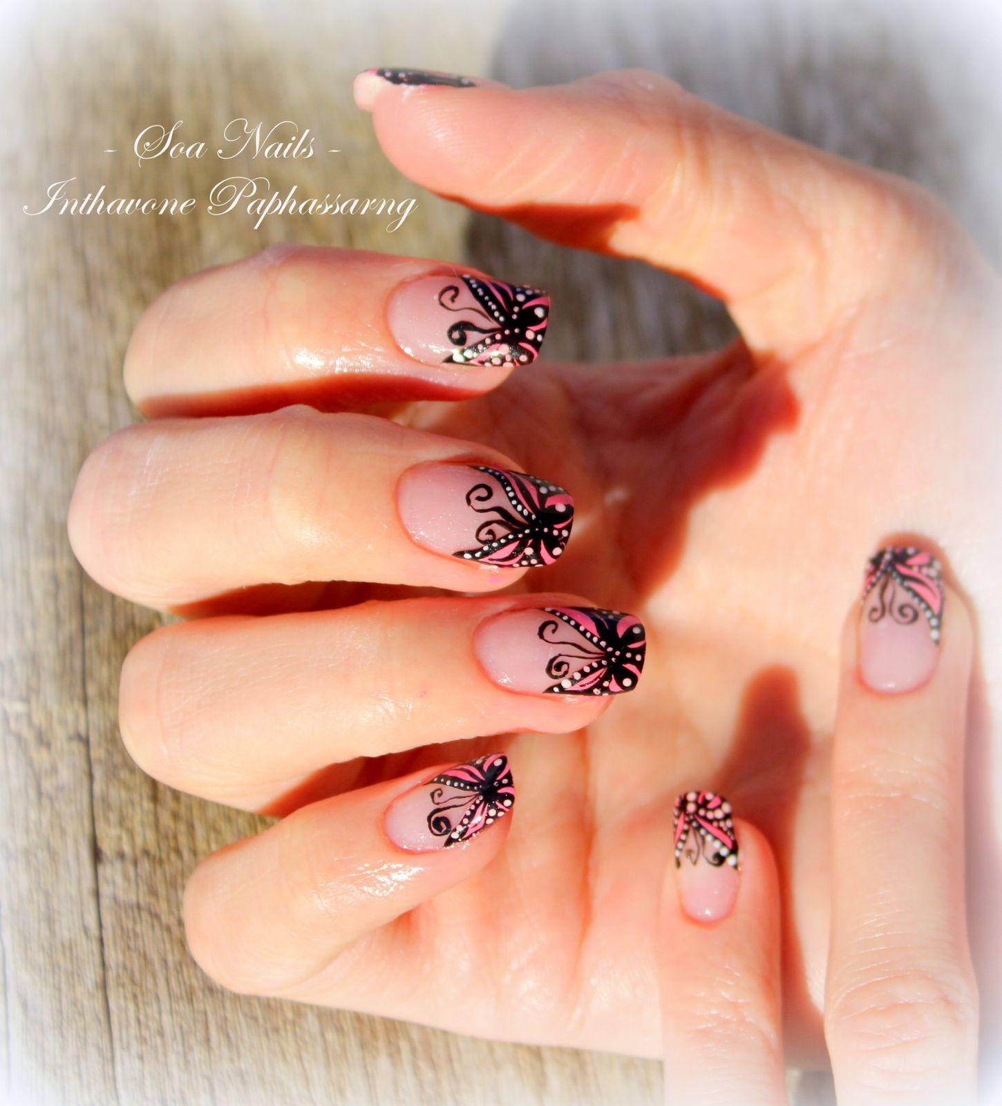 Nail Art French Papillon