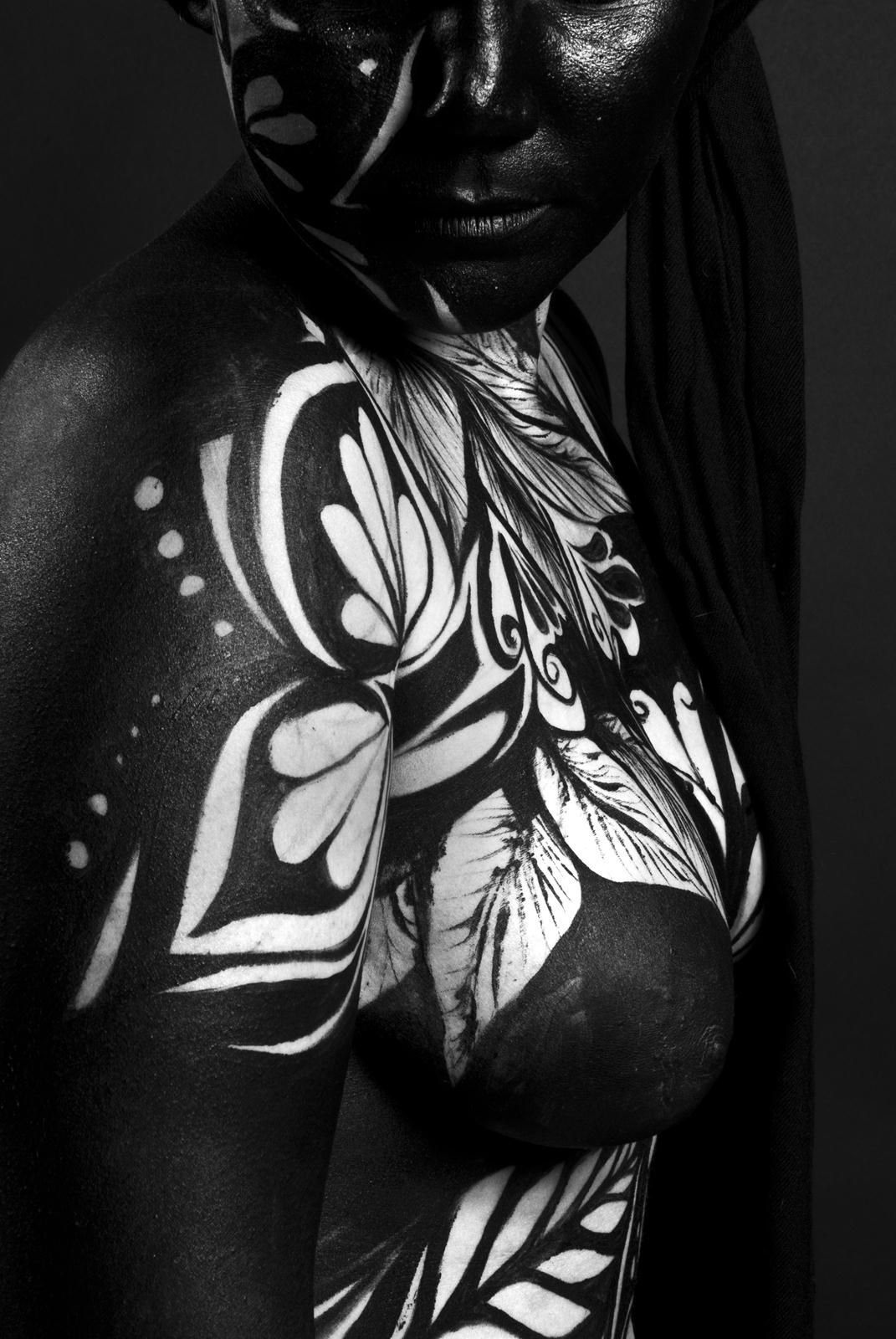 Body Painting Black & White