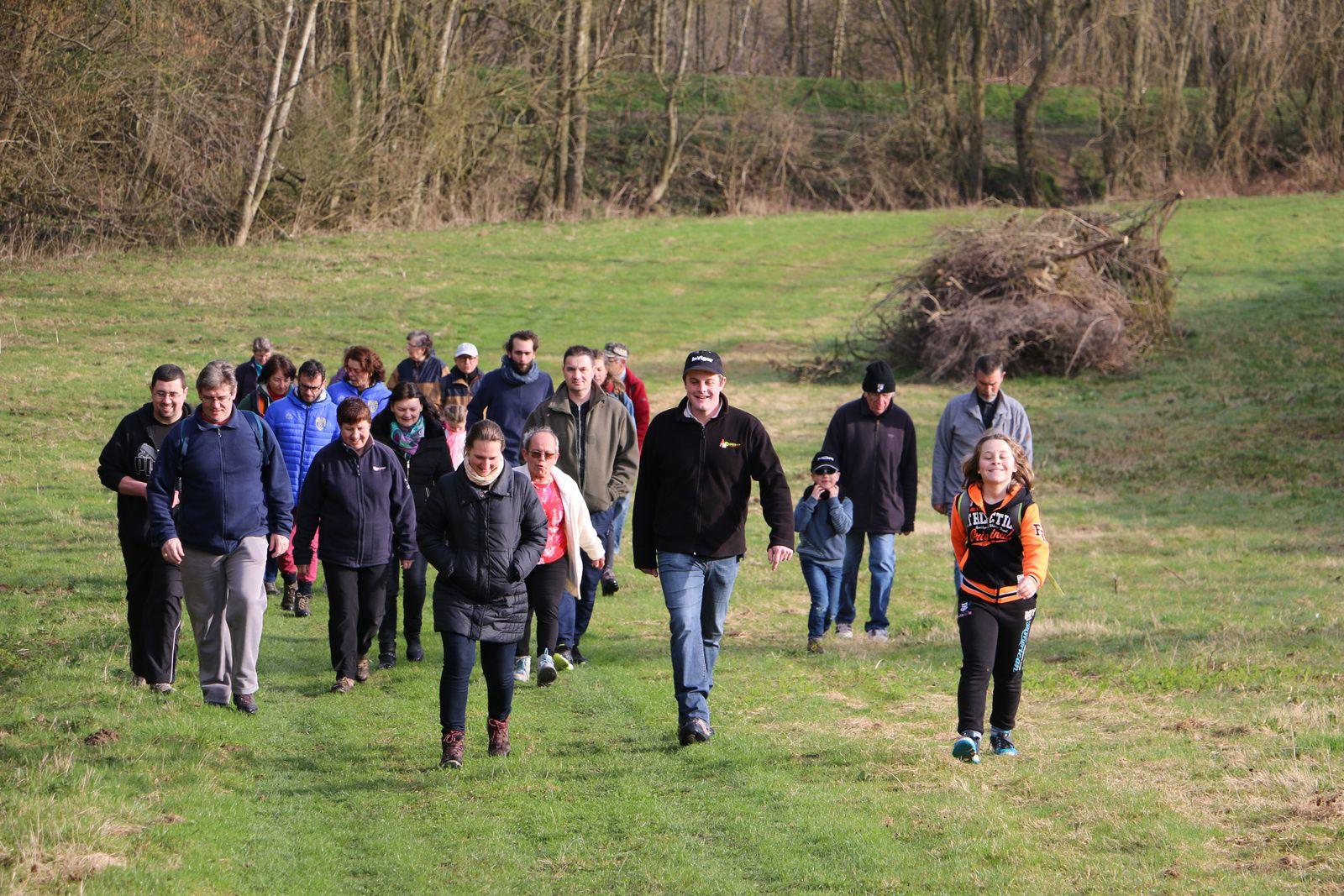 Un beau succès pour la première randonnée pédestre de la saison organisée par Remaucourt-Loisirs.