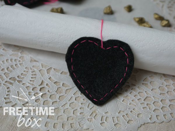 Ronds de serviettes en feutrine et marques places- DIY- Freetime box