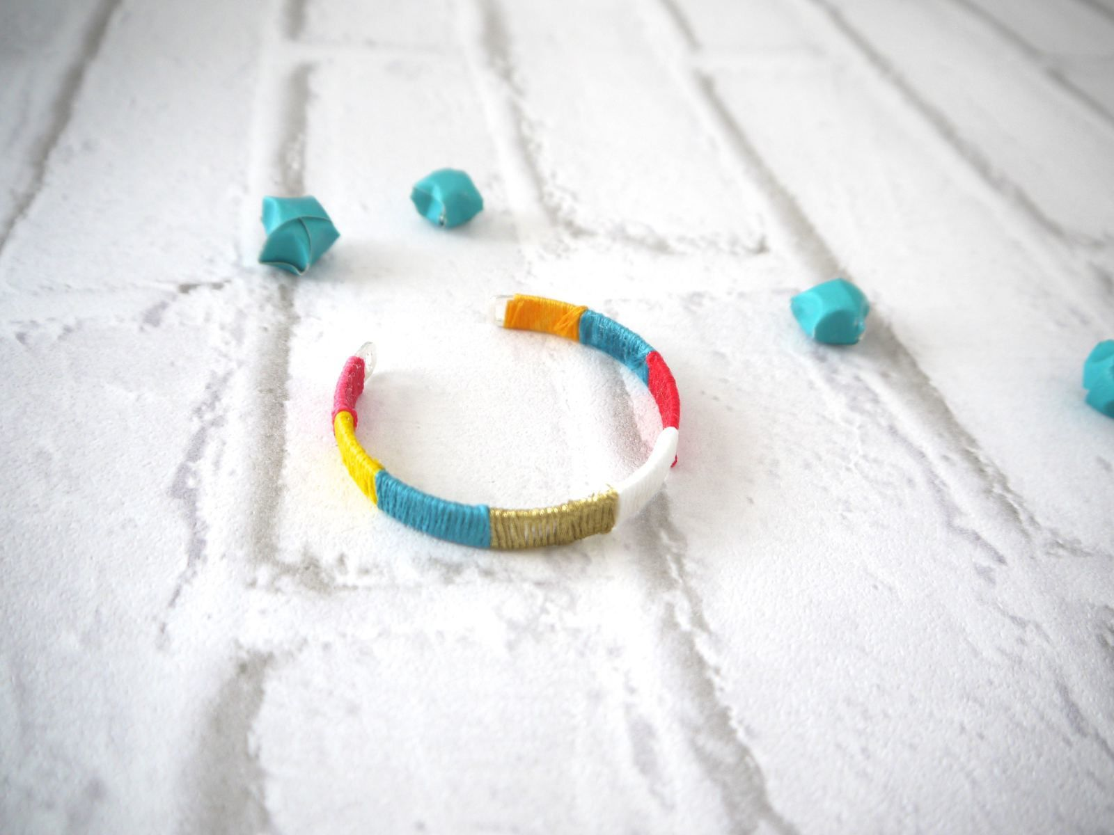 Customiser un bracelet jonc - DIY
