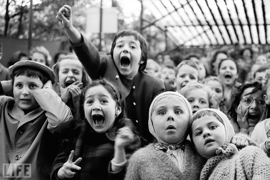 1. Puppetry (The Puppet Show). Photo by Alfred Eisenstaedt, 1963 On a puppet show in a Paris park, killing time snake Saint George.