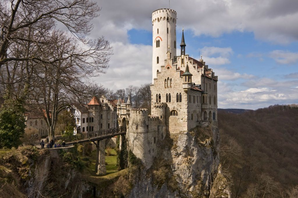User-donald-«Lichtenstein castle in Germany.""