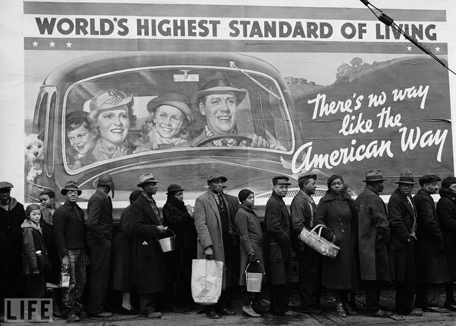 "3. American way of life (The American Way). Photo by Margaret Bourke-White, 1937 The queue for food at the point of the Red Cross during the Great Depression in the background poster: ""There is no other way of life as an American."""