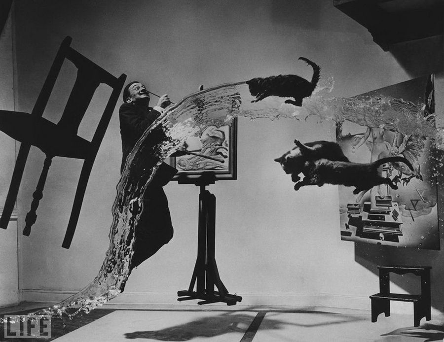 "39. «Dali Atomicus». Photo by Philippe Halsman, 1948 Six hours and 28 throws (of water, a chair, and three cats). According to the photographer, ""his team and he was wet, dirty and almost completely exhausted"" when the last shot was a success."