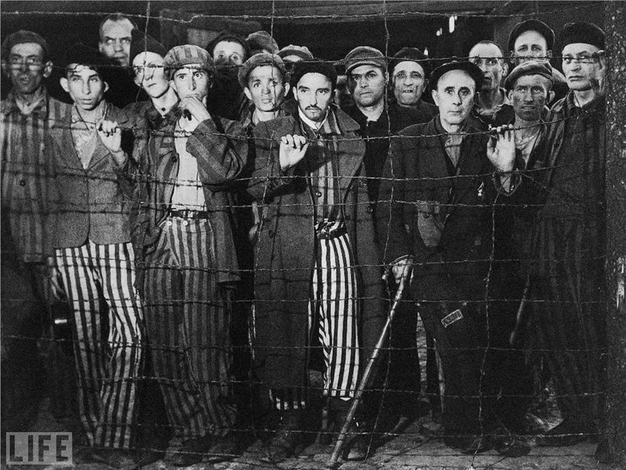 11. Liberation of Buchenwald (Liberation of Buchenwald). Photo by Margaret Bourke-White, 1945
