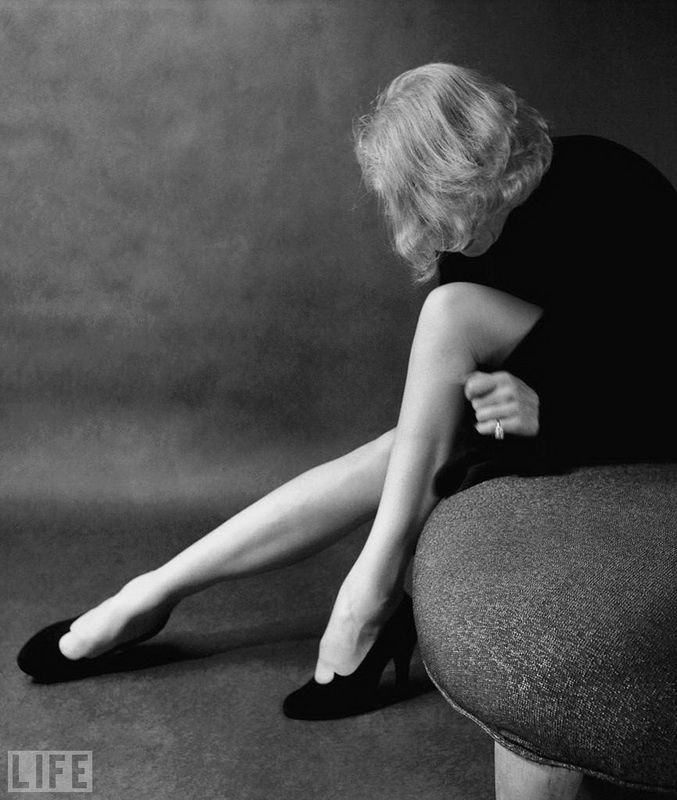 4. Marlene Dietrich (Marlene Dietrich). Photo by Milton Greene, 1952