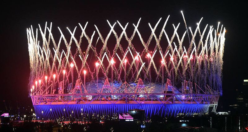 47/ Fireworks light up the Olympic Stadium during the opening ceremony of the London 2012 Olympic Games in London on July 28, 2012. AFP PHOTO/Indranil MUKHERJEE/AFP/Getty Images