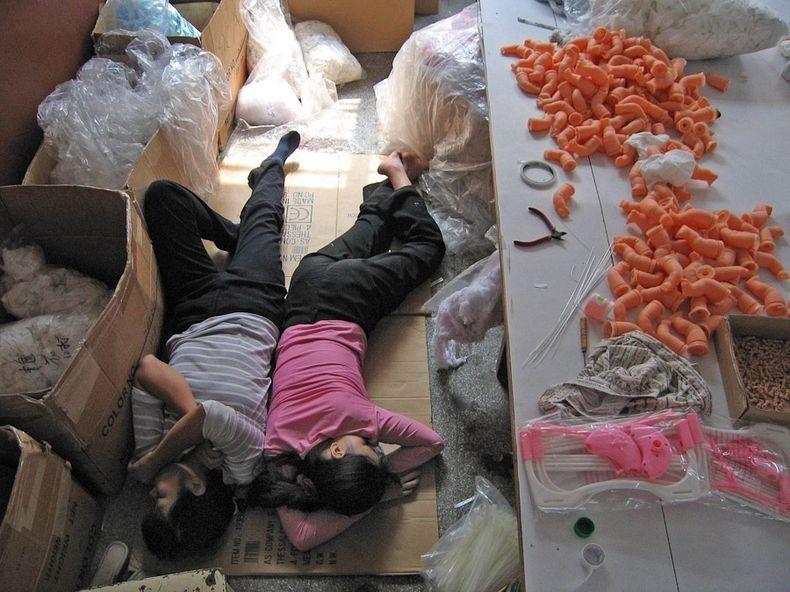 Bientot Noël ! En Chine la corvée des jouets..