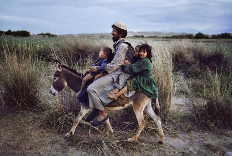 Photo © Steve McCurry/Magnum Photos AFGHANISTAN. Maimana. 2003.