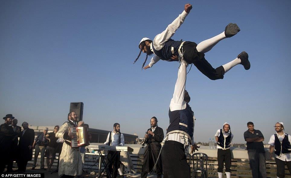 Flying Hassidim