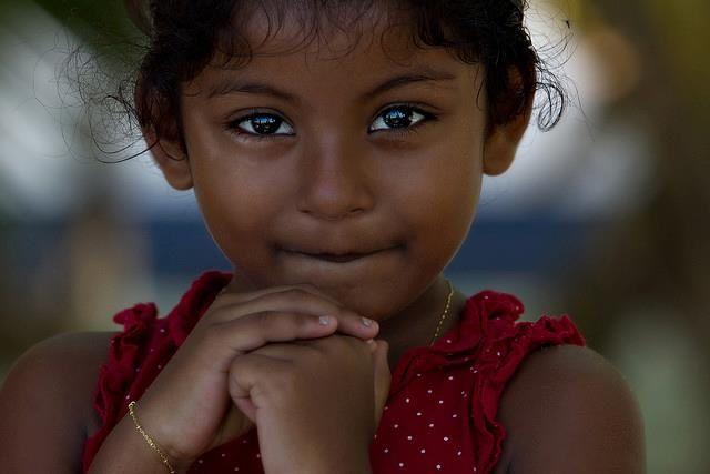 Très Portraits d'enfants du monde (75 portraits) - Humour Actualités  IE93