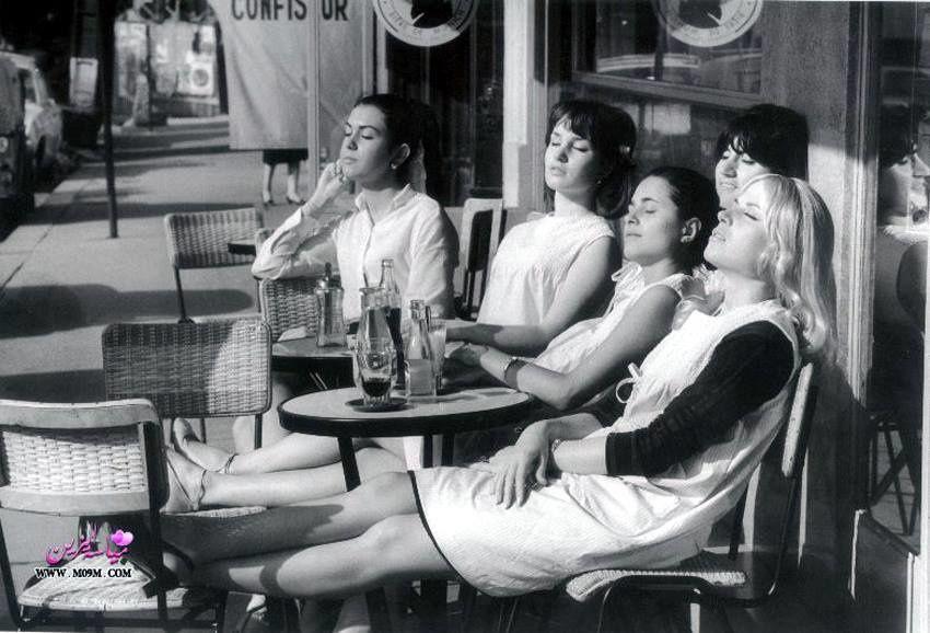 Les coiffeuses au soleil, Paris 1966. (Robert Doisneau)