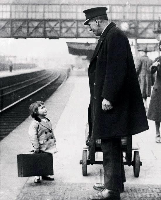 Bristol Railway Station, England 1936 (Photo George W. Hales )