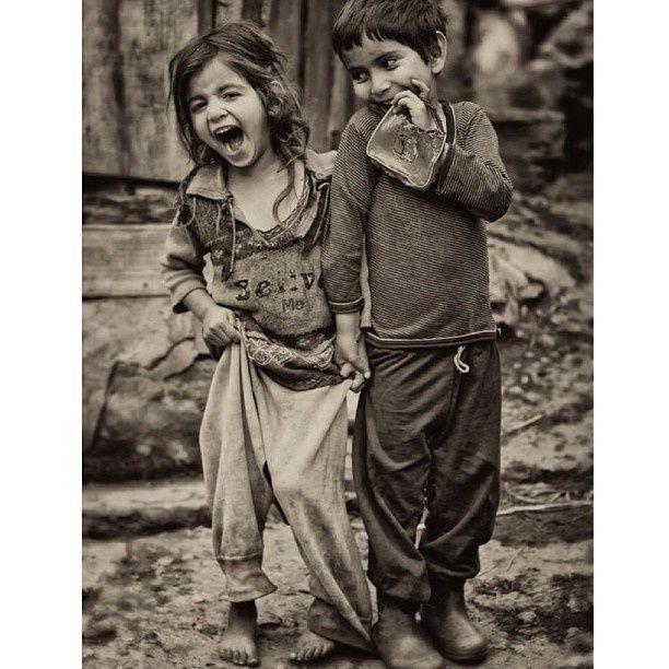 «Il ne faut pas de tout pour faire un monde. Il faut du bonheur, et rien d'autre. » Paul Eluard