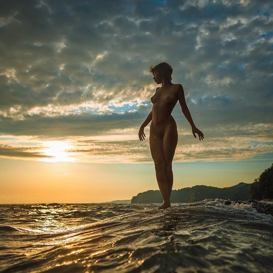 « Le femme est le rayon de la lumière divine. » Djalal al-dîn Rûmi