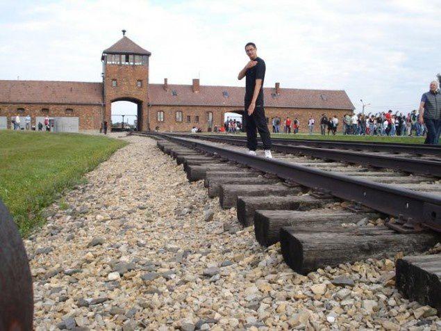 Quenelle à Auschwitz