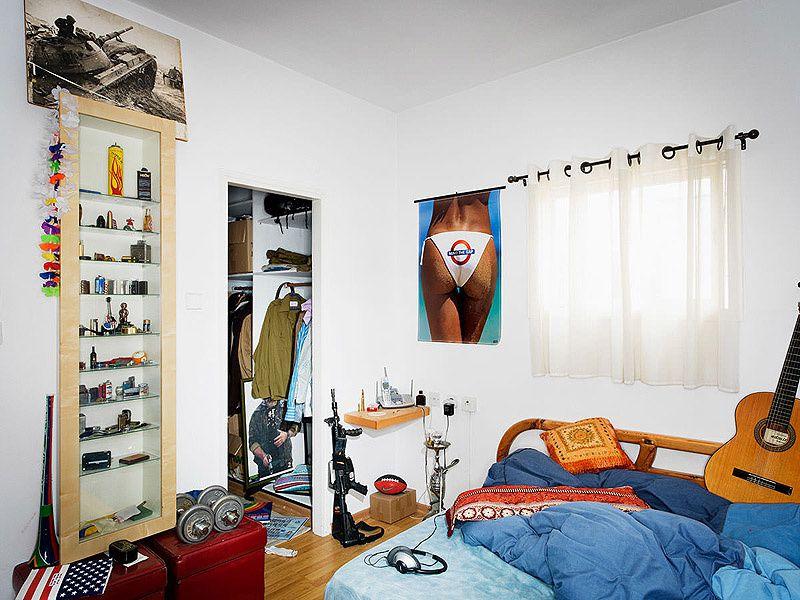 Dans la chambre des soldats de Tsahal (par le photographe Jasper White)