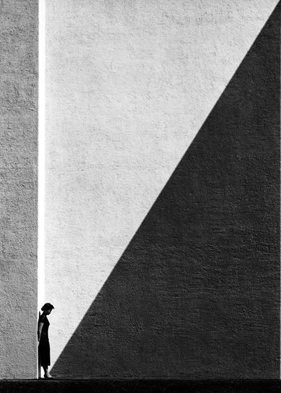 Approaching Shadow (Fan Ho)