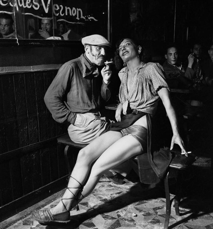 Dans un bar de Pigalle, Paris, 1938 (Emile Savitry)