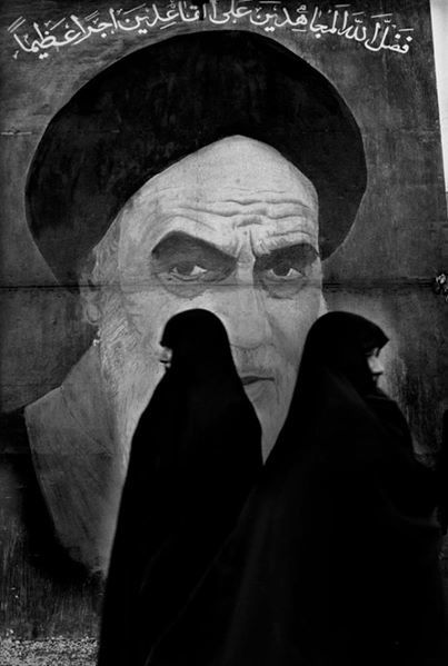#Iran, 1979. (Photo Marc Riboud)