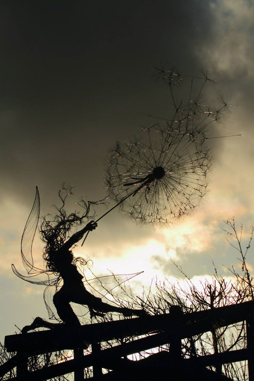 Dancing with Dandelions (Sculpture Robin Wight)