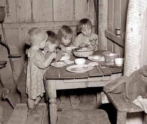 Diner de Noël durant la Grande Dépression : chou et navet
