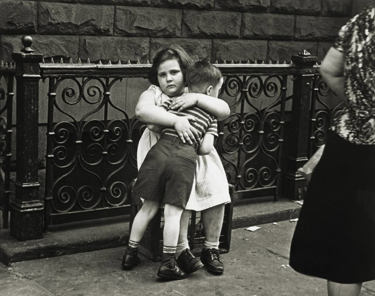 By Helen Levitt  , New York, 1939.