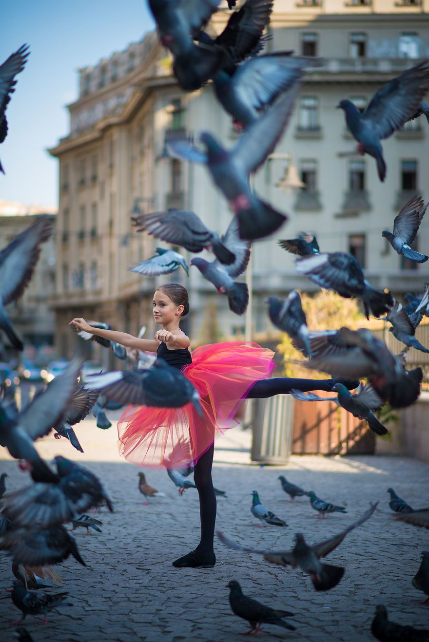 http://www.boredpanda.com/i-photographed-a-little-ballerina-on-the-streets-of-bucharest/ (Little Ballerina)
