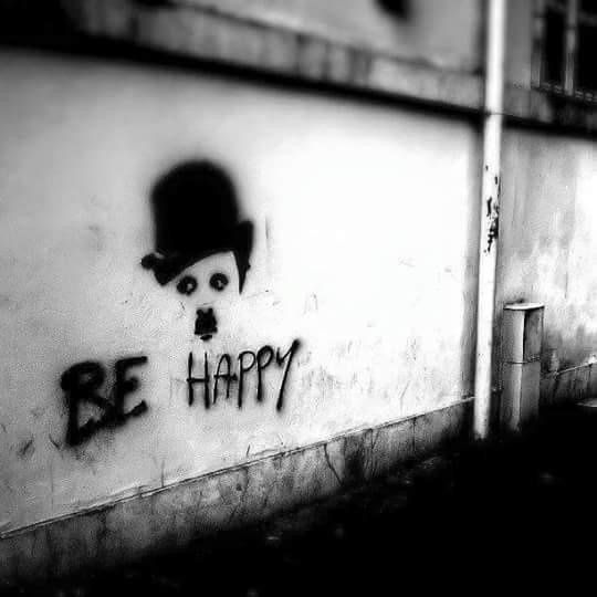 Be Happy #StreetArt