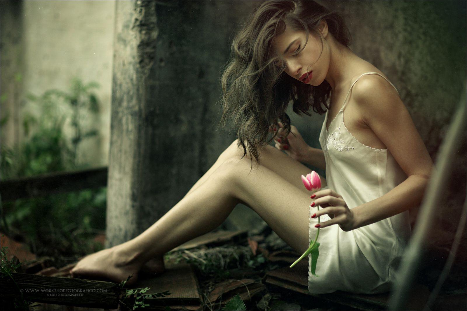 &quot&#x3B;La beauté d'une femme est l'aspect éclatant de la lumière de Dieu. &quot&#x3B; — Proverbes persans