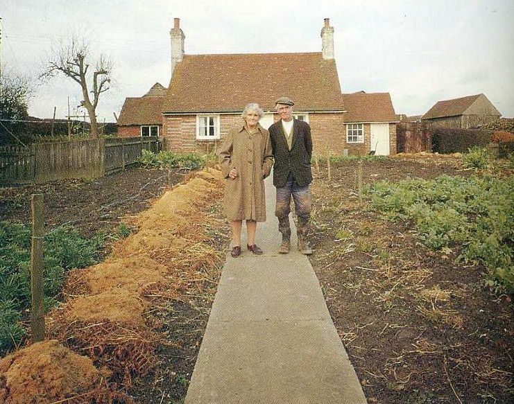 Le temps qui passe : émouvant, un vieux couple s'est pris en photo chaque saison... (12 photos)