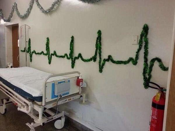 Déco guirlande à l'hôpital