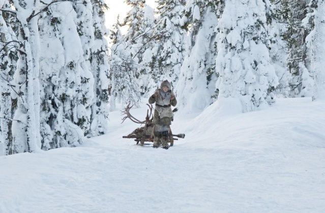 Zusammen mit ihrem Vater (Eric Bana) lebt die 16-jährige Hanna (Saoirse Ronan) in der Nähe von Kuusamo im tiefen  norden Finnlands